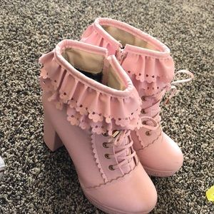 Cute + adorable high heels! (Not a specific brand)